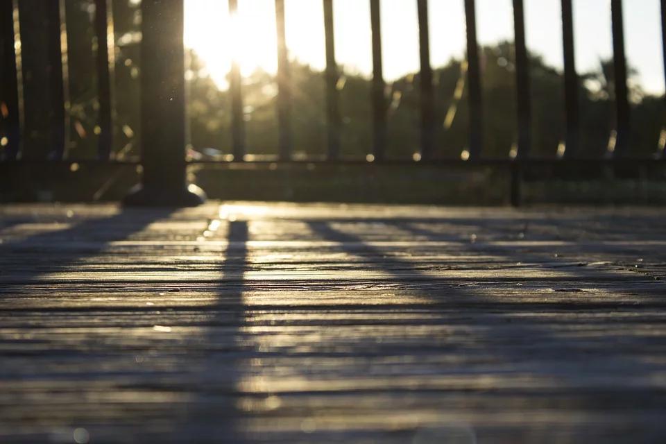 Round Rock Deck Contractor- deck railing
