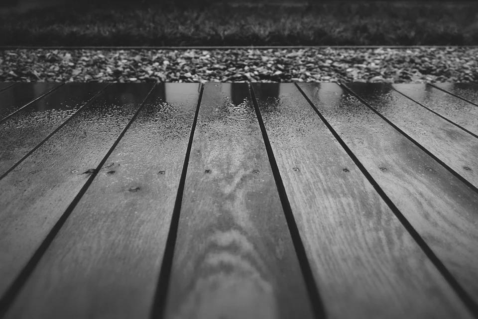 Deck staining Round Rock